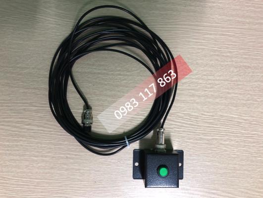 Hình ảnh dây cắm nguồn AC 220V cho bảng hiển thị trực quan sản lượng chuyền may.
